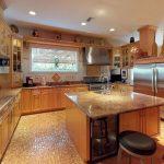 226 6th Ave NE Saint Petersburg FL 33701 Kitchen